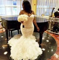 섹시한 인어 아프리카 Strapless 레이스 Applique 신부 가운 러프 Organza 아랍어 두바이 웨딩 드레스 Vestidos de Novia Plus 크기