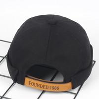Nuevo patrón Algodón puro Color sólido Sombrero de propietario Hombres y mujeres Street Trend Ventilación Skullcap Best Sellers Letter Beret
