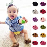 مزج اللون بالجملة 60 أزواج الوليد الطفلات بنين رياضية الخف الرضع داخلي عدم الانزلاق حذاء طفل مشوا الأولى شرابات الأحذية