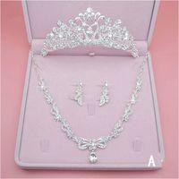 Moda gioielli da sposa di lusso strass collana di perle orecchini corona abiti da sposa accessori da sposa economici tre pezzi spedizione veloce