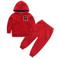 Мальчики осень повседневная одежда наборы капюшоном хлопок письмо топ + брюки 2 шт. костюм для детей дети спортивная одежда одежда