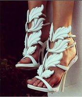 뜨거운 카르 다 시안 럭셔리 여성 스웨이드 잔인한 여름 펌프 세련된 골든 메탈 리프 날개가 달린 검투사 샌들 하이힐 신발 원래 상자