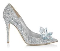 2018 moda feminina de Prata De Vidro De Noiva Sapatos Clássicos de Casamento Bling Cristal Sapatos De Salto Alto Mulher Apontou Toe Mulheres Bombas Zapatos Mujer