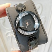 2018 New Famous Luxury Crystal Dial Bracelet Quartz WristWat...