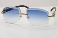 새로운 큰 돌 트리밍 렌즈 안경 unisex 흰색 내부 검은 버팔로 경적 선글라스 무두질 된 새겨진 렌즈 T8200762 자체 만든 선글라스