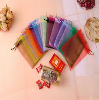 100 Adet / grup çok renkli 5 * 7 cm 7x9 cm 9X12 cm 15X20 cm Için 11X15 CM Organze Çanta Takı Hediye Torbalar Çanta Düğün iyilik İpli çanta