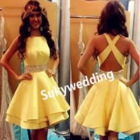 노란색 동창회 드레스 짧은 새틴 파란색 리본 칵테일 파티 드레스 크리스 크로스 저렴한 중학교 졸업 가운 맞춤 제작