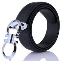 2018 caja roja Nuevos cinturones de hebilla grandes calientes cinturones de  alta calidad de diseño de cc05145dd390