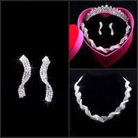 Estilo africano de la boda Accesorios nupciales Crystal Silver Crown Tiara Pendiente de la joyería Collar de tres piezas Set Rhinestone Celada para la novia