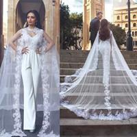 مصمم الأبيض الرقبة العالية تول الزفاف يلتف الرباط يزين حافة الاجتياح قطار الزفاف سترة طبقة واحدة طويلة شال لفستان الزفاف