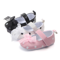Scarpe del bambino del bambino Scarpe neonate Princes Leather Baby Shoes 2018 nuove ragazze Polka Dot Infant Shoes Soft Shoes First Walkers 0-18m
