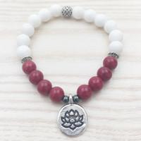 SN1102 Rose Jade Pulsera Mujeres Jade blanco pulsera moldeada Tierra Lotus Charm Yoga Meditación de jade pulsera con cuentas de Mala regalos para ella