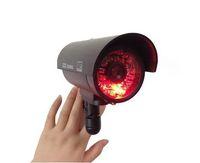 LED Caméra factice IR / Caméra fausse intérieure pour la sécurité à la maison système de vidéosurveillance infrarouge / CCTV sans fil / caméra bullet LLFA