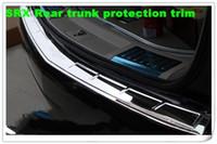Placa decorativa del parachoques trasero del coche de acero de acero de alta calidad, placa protectora del tronco trasero, barra de protección con logo para Cadillac SRX 2010-2015