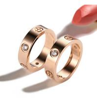 Nueva 316L de titanio anillos del acero Mujeres Hombres Parejas nombre Anel CZ del anillo de bodas de la joyería marcas Pulseira feminina