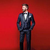 품위있는 네이비 블루 웨딩 턱시도 남성용 신사복 정장 3 조각 저렴한 무도회 정장 (자켓 + 바지 + 조끼 + 보우 타이)