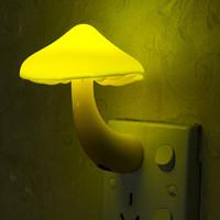 노란색 밤 램프 버섯 벽면 소켓 조명 제어 센서 LED 밤 빛 침실 아기 오토 라이트 컨트롤 110-220V 0.2W