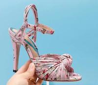 الصيف خنجر عالية الكعب الصنادل الزفاف كريسس الصليب الأشرطة بووتي أنثى حزب بالأزهار الصنادل أحذية السيدات اللباس مضخات الأحذية موهيرز