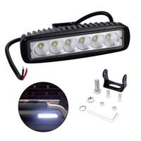 Barra de luz LED con una sola fila 6 luces LED 6 pulgadas 18W 6500K IP67 Barra de luz de trabajo a prueba de agua para SUV Camión Barco