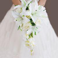 элитный свадебный букет по индивидуальному заказу Ландыши с лепестками роз Свадебные букеты из лент