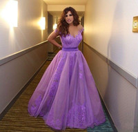 Inspiré par Najwa Karam Celebrity Dresses Evening Wear Arabie saoudite Dubai Appliques Purple Violet Formelle Robes De Bal Robes