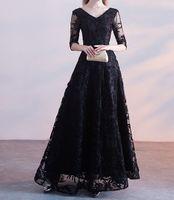 エレガントなブラックイブニングドレスロングプロドレスVネックハーフスリーブレースアップバックフロア長安価なウエディングドレス