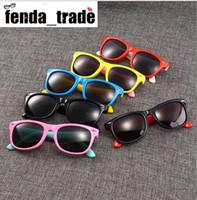 17 ألوان موك = 10 قطع المطاط إطار جديد الأطفال tac الاستقطاب النظارات الاطفال مصمم ظلال للفتيات الفتيان حملق الطفل النظارات الرجعية نظارات