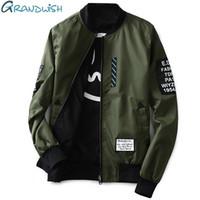 Letter Grandwish Bomber Jacket Мужчины Пилот с нашивками Зеленый обе стороны носить Тонкий пилот Bomber Jacket Мужчины Ветровка куртка Мужчины