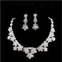 Sparkle Accesorios de boda Conjuntos de cuentas de collar y pendientes barato corona de Bling Accesorios de novia en línea 2019
