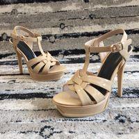 Patent Deri Perçinler Marka Tasarımcısı Pompaları Kadın Sandalet Yüksek Topuklu Bayan Perçinler Ayakkabı 13.5 cm Zarif siyah ziyafet ayakkabı 15 renk
