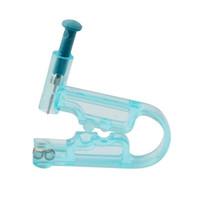 Outil de perçage d'oreille jetable en gros, stérilisé, à usage unique, goujons, unité de perçage, assistant de perçage d'oreille pour la jeunesse