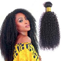 2018 Fabrikpreis! Brasilianisches Haar verworrenes lockiges Haar Bundles mit Spitze Schließung 100% Echthaar Schuss kein Tangleshedding