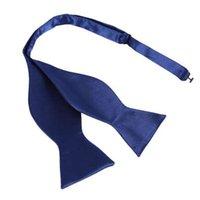 Venta al por menor al por mayor Hot Fashion Mens Bowties Color sólido Seda llana Self Tie Pajaritas Multi-colores