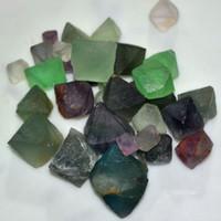 Natürlicher grüner Fluorit-Oktaeder-purpurroter Quarz-Kristallstein Reiki ursprünglicher Stein schmücken artware fluorspar heilender Würfel monokristall