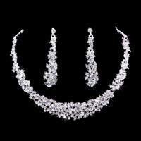 Pendientes de diamantes Novia Boda Conjunto de joyas de diamantes Pendientes de gota para las mujeres Conjunto de collar Accesorios de boda de alto grado