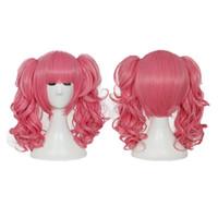 Kurze synthetische Perücken rosa Cosplay hitzebeständige synthetische Kostümperücke für Frauen mit Brötchen Freies Verschiffen