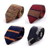 Nueva moda para hombre Corbatas de punto para hombre Hombres Corbata delgada Diseñador Cravate estrechas y estrechas corbatas para hombres Corbatas Flecha de punto Corbata 15 Color