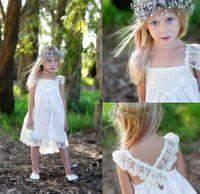 Boho vestidos de niña de las flores para la boda con la correa de espagueti del cordón del abrazo de la muerte Volver longitud de té desfile de la muchacha dresess envío 24