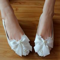 흰 나비 구슬 발목 스트랩 라운드 발가락 들러리 신발 여자 펌프 결혼식 신발 하이힐 신부 신발 2018