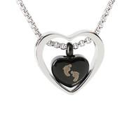 Двойное сердце-сердце Кремация Урн Ожерелье для пепел из нержавеющей стали Урн Ювелирные Изделия Мемориальный подвесной Детка всегда в моем сердце выгравирован младенческая следа