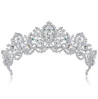 Lüks Kristal Yaprak Düğün Gelin Taç Tiara Kalp Şeklinde Rhinestone Gelin Düğün Headpieces Saç Aksesuarları Altın Gümüş 1 adet Ücretsiz Gemi