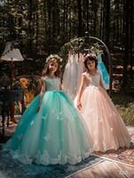 2018 Cap Kollu Dantel Line Çiçek Kız Elbise Tül Aplike 3D Buttly Fly Boncuklu Kat Uzunluk Elbiseler Prenses Doğum Günü parti Elbiseler