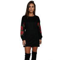 Женщины моды Хлопок T Shirt Осень вышивки Цветочные рубашка с длинным рукавом футболки Женские Повседневный Белый Черный Топы Blusa Плюс Размер