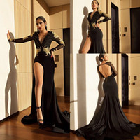 2018 Sexy Black Deep V Neck Front Split Lace Appliques Merma...