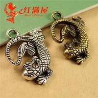 A3711 30*22MM Antique bronze Lizard charm for jewelry making...