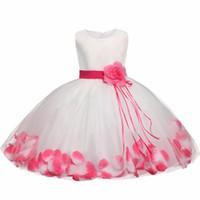 Tutu Çiçek Bebek Elbise Düğün İçin Parti Kolsuz Bebek Bebek Petal Elbiseler Için 1 Yıl Toddler Kız Doğum Günü Vaftiz Giysileri