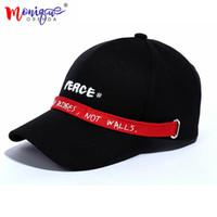 Gorras de béisbol de Corea del diseño del verano hombres letras inglesas Gorras  snapback de las bc495fa4ed7