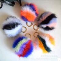 Portachiavi con portachiavi in pelliccia colorata. 10 colori 9 cm