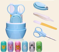 4PCS Portable Baby Nail Clipper Set Secchio Baby Safety Care Forbici per unghie 4 in 1 Cura delle unghie Set Baby Set Barrel Nail Clipper