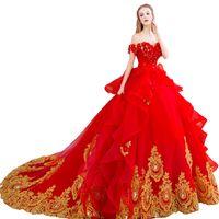 Abiti da sposa di lusso 2018 Off spalla oro Appliques Ruffles in rilievo Ball Gown Abiti da sposa Custom Make Bride Dress Real Sample